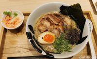 Menya Musashi Bukotsu: Ramen Halal dengan Mie Lembut dan Kuah Gurih!