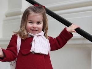 Putri Charlotte dan Ratu Elizabeth Memiliki Kesamaan dalam Hal Ini