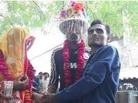 Bak Film Bollywood, Pria Ini Rela Istrinya Menikah dengan Pria Lain