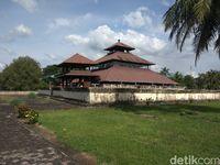 Area luar Masjid Tuha Indrapuri (Agus Setyadi/detikTravel)