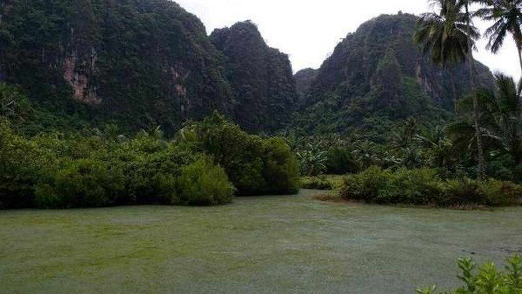 Bukit Karst Terbesar Ketiga Sedunia di Sulawesi, Cantik Kan?