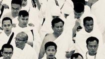 Potret Hitam Putih Saat Prabowo Umrah