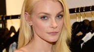 Cantiknya Jessica Stam, Supermodel yang Dijuluki Wajah Boneka