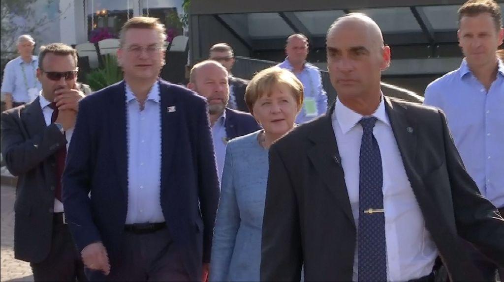 Jerman Kalah, Angela Merkel Langsung Datangi Kamp Pelatihan