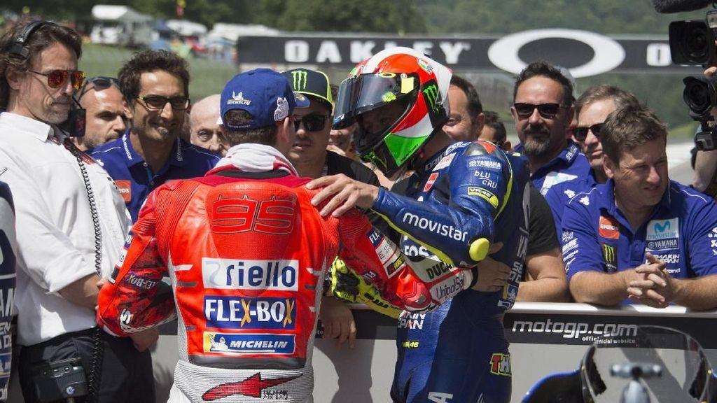 Rossi Tidak Kepikiran Lorenzo Bakal Gabung Honda