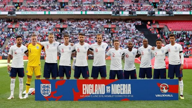 Para pemenang prediksi timnas Inggris akan mendapatkan hadiah cukur gratis selama setahun.