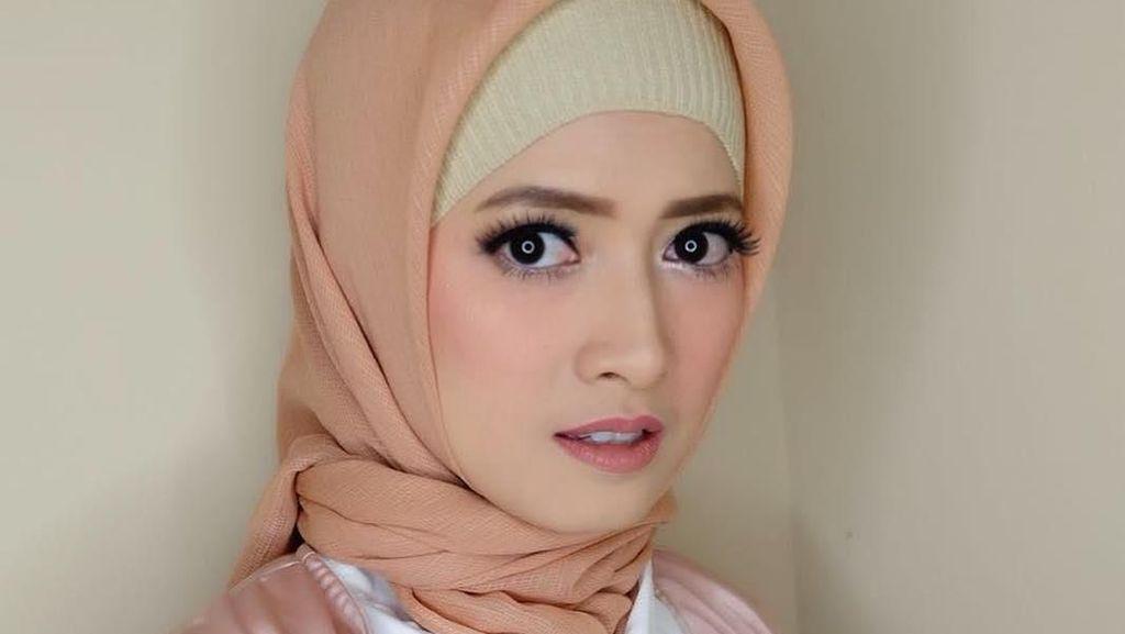 Foto: Bikin Pangling, Ini Penampilan Chika Jessica Pakai Hijab
