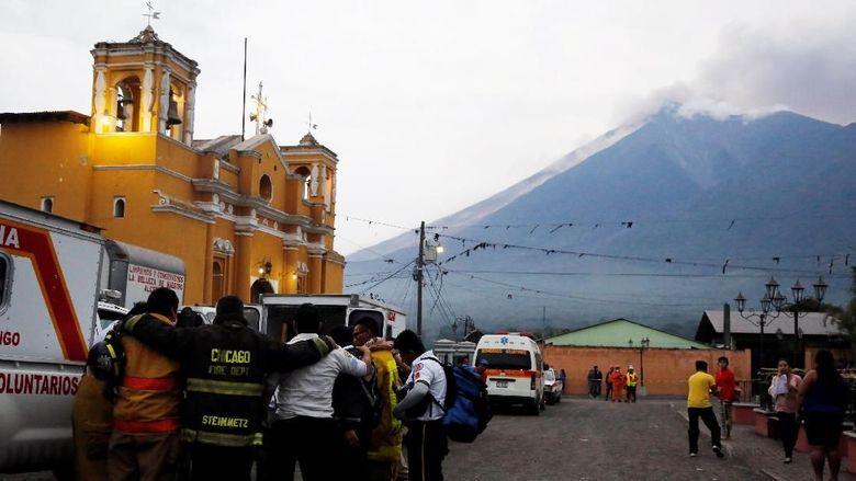 Korban Tewas Erupsi Gn Fuego Guetamala Bertambah Jadi 33 Orang
