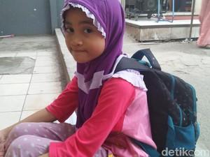 Ini Amel, Bocah Penjual Tisu di Stasiun Cawang yang Viral