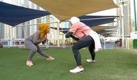 Olahraga Ringan Saat Puasa ala Hijaber Dubai Ini Bisa Dicoba