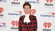 Harry Styles Jawab Isu Kencan dengan Adele