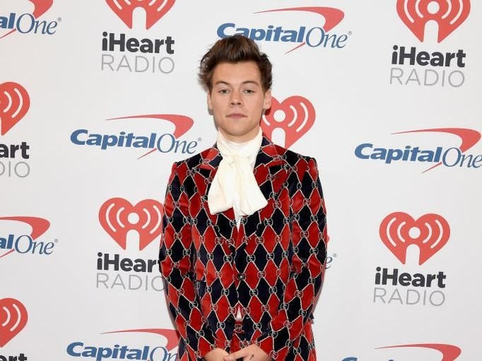 Harry Styles jadi model Gucci