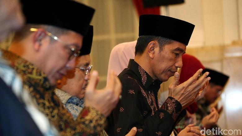 Jokowi Peringati Malam Nuzululquran