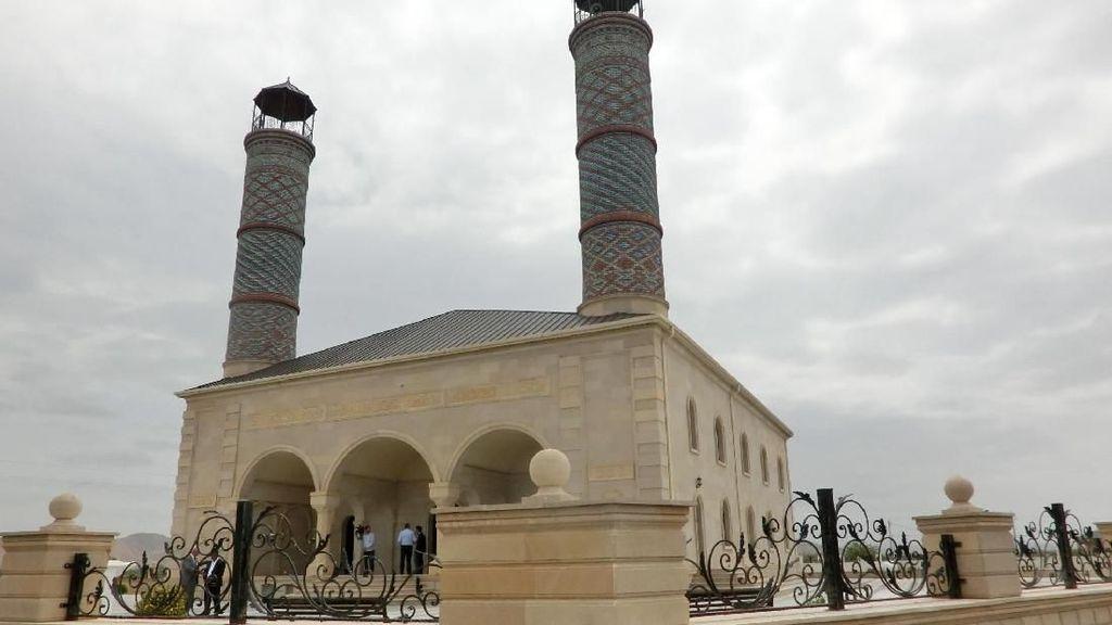 Menelusuri Jejak Islam di Azerbaijan