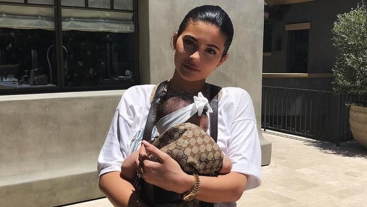 Cerita Kylie Jenner Sempat Berubah Pikiran Saat Beri Nama Anak