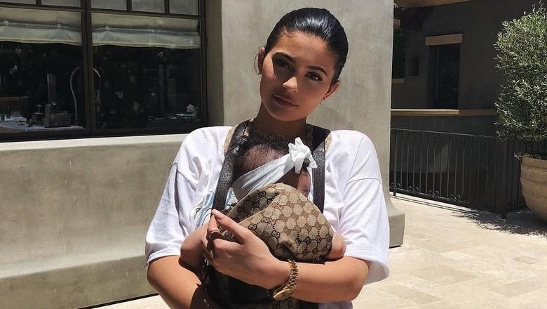 Kylie Jenner dan putrinya, Stormi/ Foto: Dok. Instagram