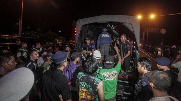 Pemulangan para Bonek dari Yogyakarta menuju Surabaya saat laga Persija vs Persebaya dibatalkan. (