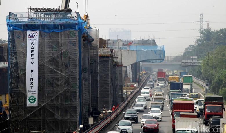 Dahulukan Tol Japek Elevated, Proyek LRT dan Kereta Cepat Ditunda
