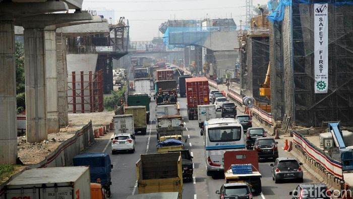 Proyek tol Jakarta-Cikampek Layang/Foto: Agung Pambudhy