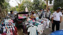 Aparat Usir Mobil Toko yang Mangkal di Zona Merah Bandung