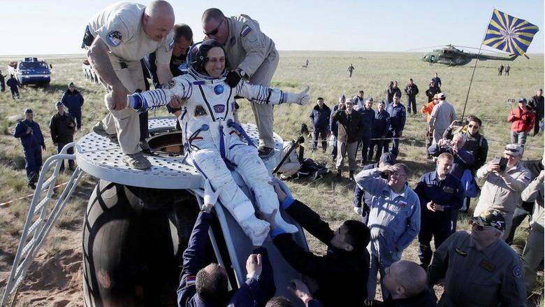 5 Bulan Berada di Luar Angkasa, 3 Astronaut Kembali ke Bumi