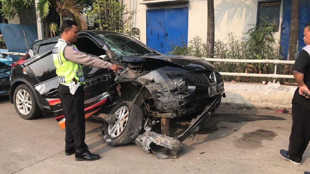 Mobil Anisa Bahar Kecelakaan di Jakut, Ini Dugaan Penyebabnya