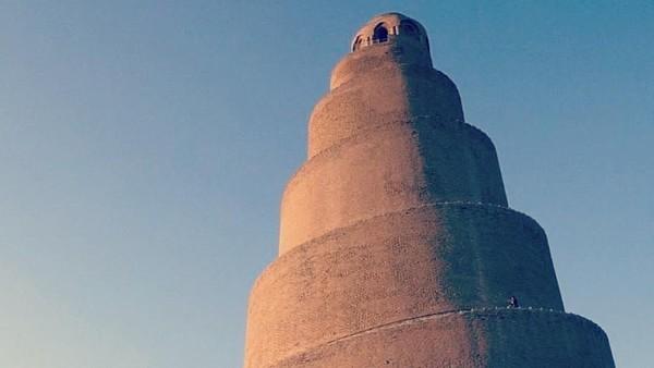Menara spiralnya bernama Malwiya yang memiliki makna menara melilit. Ada tangga yang tersedia untuk bisa sampai ke atas. (Instagram)