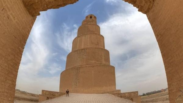 Masjid dibangun pada tahun 848 hingga 851 oleh Khalifah Abbasiyah Al Mutawakkil yang memerintah dari tahun 841 hingga 861. (Instagram)