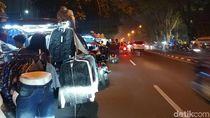 Usai Diusir Aparat, Mobil Toko Kembali Mangkal di Bandung