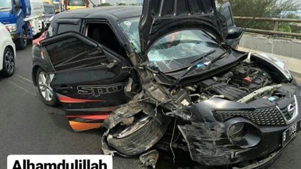 Annisa Bahar kecelakaan mobil.