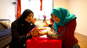 Seni Henna, Hobi Membawa Berkah yang Memperkenalkan Islam