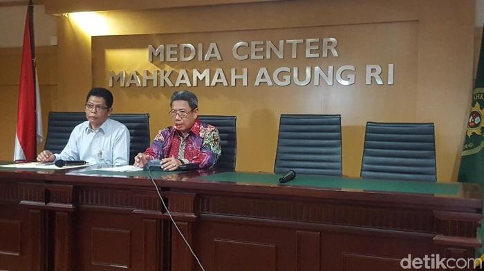 Hakim Agung Suhadi dalam menyampaikan peluncuran aplikasi e-court (Foto: Zunita Amalia Putri/detikcom)