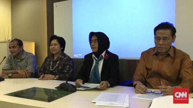Kepala BPHN Kemenkumham Enny Nurbaningsih (kedua dari kanan).