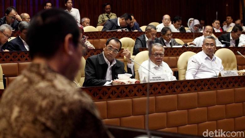 DPR Gelar Rapat Bersama 3 Menteri
