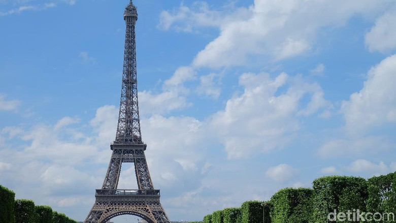 Menara Eiffel (Daniel Ngantung/Wolipop)