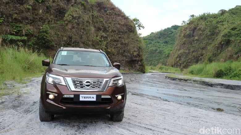 Nissan Terra Foto: Dina Rayanti