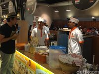 Senangnya 'DiTraktir Detikcom' Pengunjung Eat & Eat Gandaria City Dapat Hadiah Uang Tunai