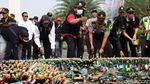 Ribuan Botol Miras Dimusnahkan dengan Cara Digilas