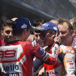 Ayah Lorenzo: Marquez Halalkan Segala Cara untuk Menang