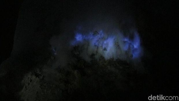 Api biru di Kawah Ijen, Banyuwangi (Afif Farhan/detikTravel)
