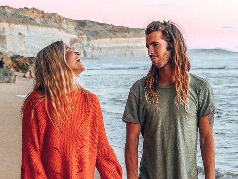 Kisah Cinta Pasangan Beda Negara yang Bertemu saat Traveling Ini Romantis