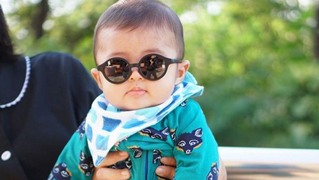 Lucunya Anak Sandra Dewi hingga Pesona Pacar Valentino Rossi