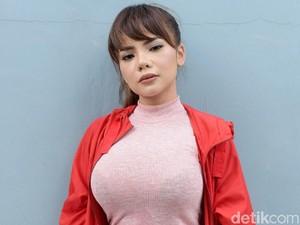 Dinar Candy Masuk 10 DJ Paling Hot di Asia