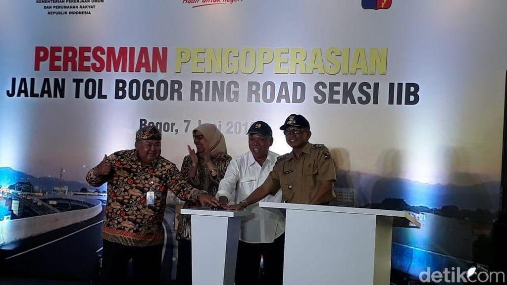 Jelang Buka Puasa, Menteri Basuki Resmikan Tol Kedung Badak-Yasmin
