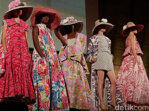 Pameran Batik fo the World Disambut Meriah di Paris, Didatangi Ribuan Orang