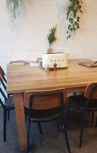 Waduh! Restoran Ini Biarkan Pengunjung Panggang Roti Sendiri