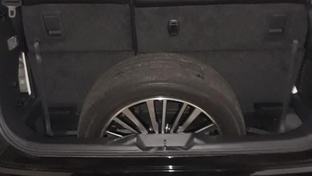 Sengketa Ban Pemilik Elgrand dan Nissan Berujung Damai!