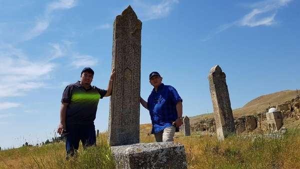 Nisan Kuno di Azerbaijan Ini Mirip di Indonesia, Ada Hubungannya?