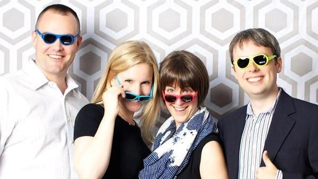 Jual Kacamata Hitam Buat Bocah, Keluarga Ini Raup Rp 70 Miliar