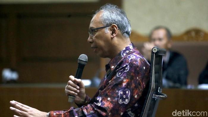 dr Bimanesh Sutarjo jalani sidang karena didakwa menghalangi pemeriksaan Setya Novanto (Foto: Ari Saputra)
